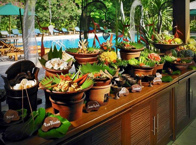Risata Bali Resort And Spa - Kuta - Food