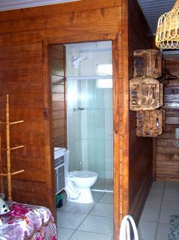 兩戀人木屋旅館 - 卑拿 - Penha - 浴室
