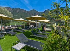 Art & Design Hotel Napura - Vilpiano - Patio