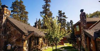Embers Lodge and Cabins - Big Bear Lake - Vista del exterior