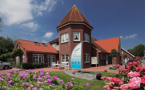 Landhotel Bauernstuben - Neuharlingersiel - Gebäude