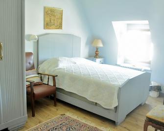 Chateau De Calmels - Lacaune - Schlafzimmer
