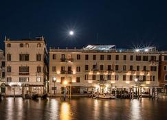 Hotel Carlton On The Grand Canal - Венеция - Здание