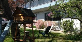 Lakeshore Inn & Suites - אנקוראג'