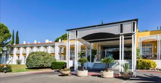 Exe Las Adelfas Hotel - Córdoba - Toà nhà