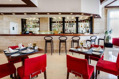 Exe Las Adelfas - Córdoba - Bar