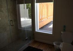 Dupont Stay - Washington - Bathroom