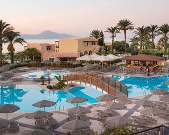 Horizon Beach Resort - Mastichari - Zwembad