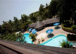 Travellers Beach Hotel & Club - Mombasa - Pool