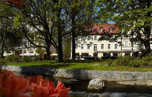 Orea Hotel Anglicky Dvur - Μαριάνσκε Λαζνέ - Κτίριο