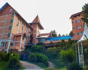 Sky Valle Hotel - Грамадо - Building