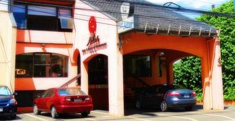 Hotel Aitue - Temuco