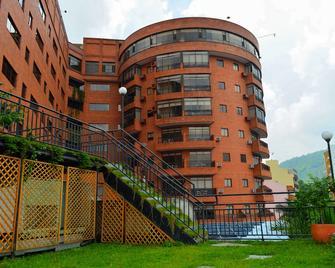 Casa Morales Hotel Internacional y Centro de Convenciones - Ibagué - Building