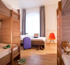 Uni Youth Hostel