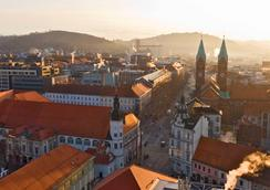 Uni Youth Hostel - Maribor - Outdoor view