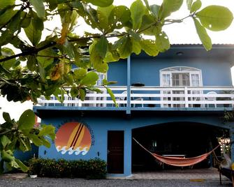 Hostel Da Ilha De Sao Francisco Do Sul - Sao Francisco do Sul - Building
