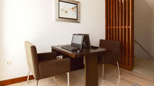 Hotel Aveiro Palace - Aveiro - Khu vực làm việc
