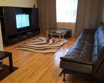 Three bedroom holiday apartment - Longueuil - Living room