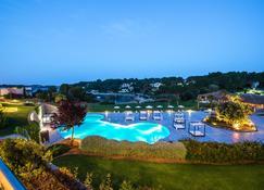 Blau Privilege Porto Petro Beach Resort & Spa - Portopetro - Pool