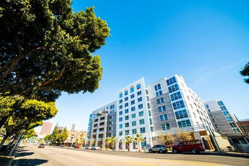 Ginosi Figaro Apartel - Лос-Анджелес - Здание