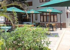 Sommerschield Guest House & Restaurant - Maputo - Building