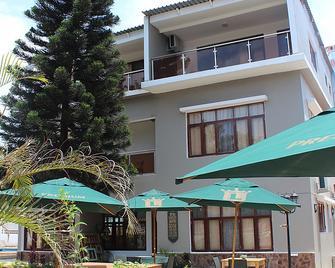 Sommerschield Guest House & Restaurant - Мапуту - Здание