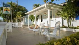 Southwinds Motel - Key West - Building