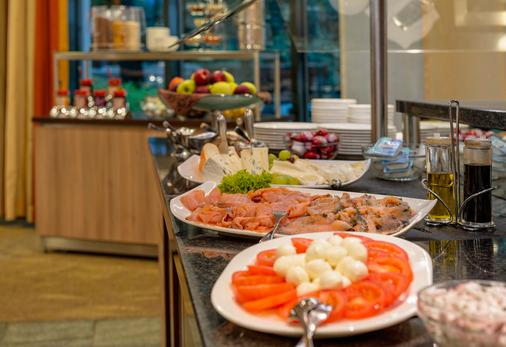 Park Inn by Radisson Cologne City West - Cologne - Attractions