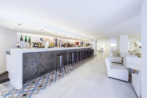 FERGUS Style Cala Blanca Suites - Santa Ponça - Bar