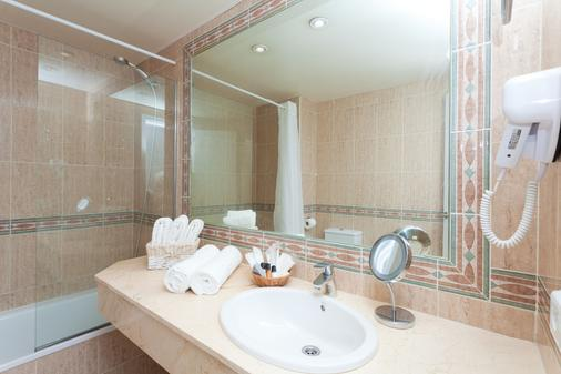 FERGUS Style Cala Blanca Suites - Santa Ponsa - Kylpyhuone