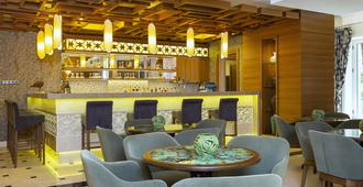 Royal Asarlik Beach Hotel - Bodrum - Bar