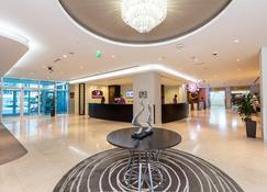 Premier Inn Abu Dhabi International Airport - Abu Dabi - Lobby