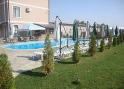 Korona Hotel - Тирасполь - Вигляд зовні