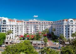 Hôtel Barrière Le Majestic Cannes - Cannes - Edifício