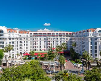 Hôtel Barrière Le Majestic Cannes - Cannes - Edificio