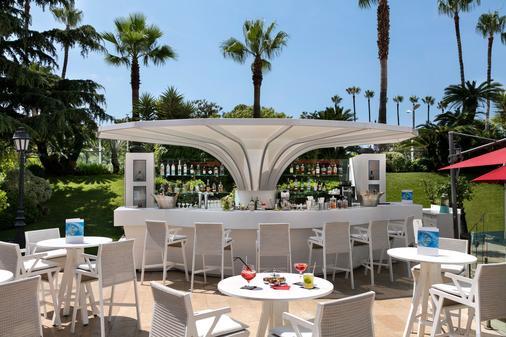 Hôtel Barrière Le Majestic Cannes - Cannes - Baari