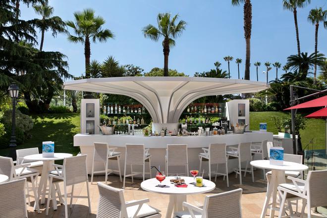 Hôtel Barrière Le Majestic Cannes - Cannes - Bar