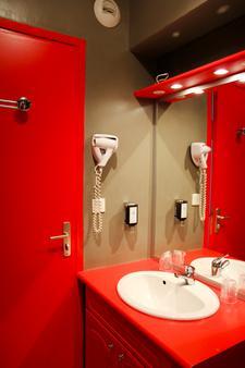 Hotel The Originals Rouen Notre-Dame - Rouen - Bathroom