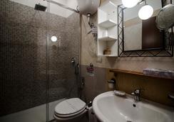 Guesthouse Pompei Il Fauno - Pompei - Bathroom