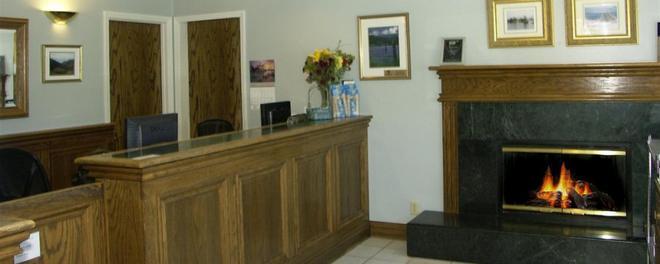 Colton Inn - Monterey - Lobby