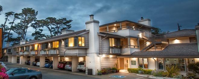 Colton Inn - Monterey - Building