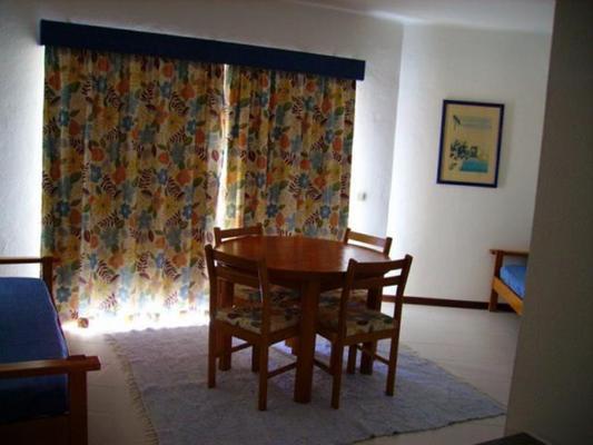 Apartamentos Presidente - Portimão - Dining room
