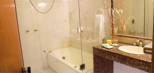 Hotel Embajador - Montevideo - Phòng tắm