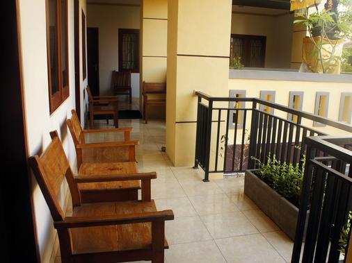 La'Mulya Guest House - Kuta - Ban công