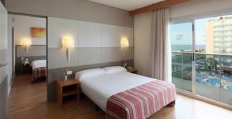 Golden Taurus Aquapark Resort - Pineda de Mar - Bedroom