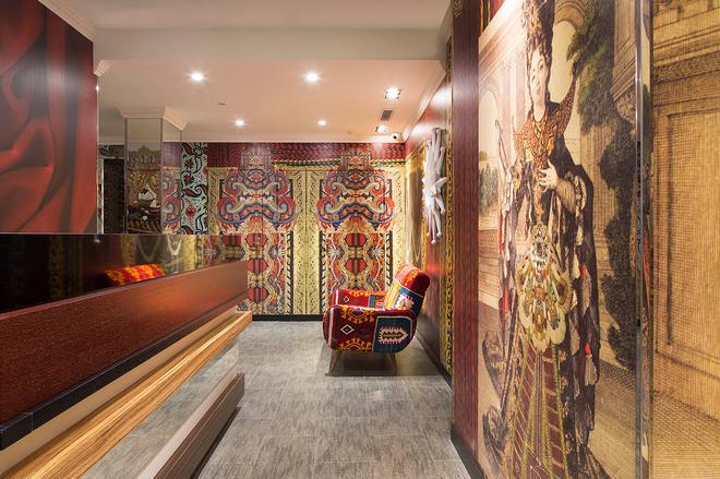 Hotel Du Continent - Pariisi - Vastaanotto