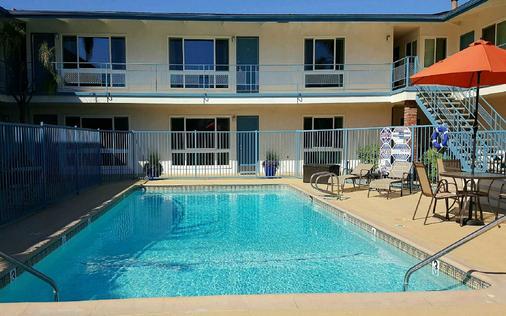 Pacific Crest Hotel Santa Barbara - Santa Barbara - Building