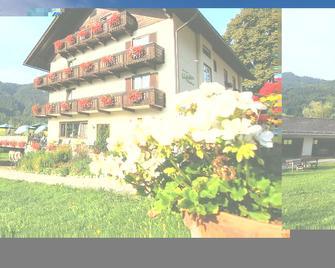 Hotel Lipeter & Bergheimat - Вайсензее - Здание