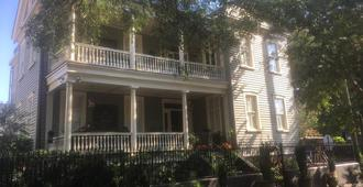 22 Charlotte Bed & Breakfast - Charleston - Rakennus