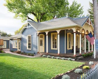 Brannan Cottage Inn - Calistoga - Building